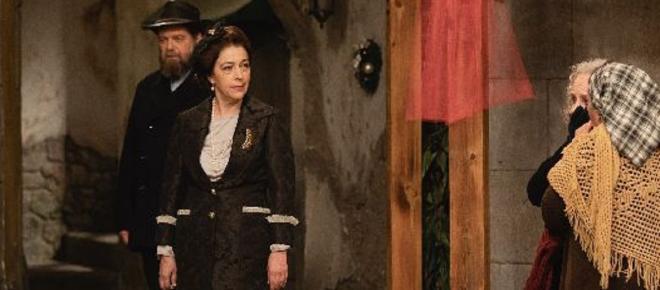 Il Segreto spoiler spagnoli: Francisca ritorna per vendicarsi dei suoi nemici