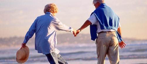 Carinho é essencial para a manutenção da relação. (Imagem Br Mais)