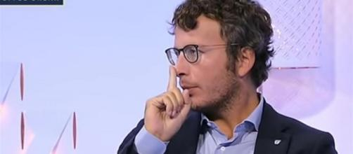 Diego Fusaro attacca l'Ue e il quotidiano Repubblica