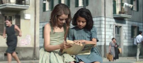 Elena e Lila da piccole nel quartiere di Napoli in cui vivono