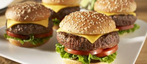 La correlazione tra il cibo spazzatura e la depressione