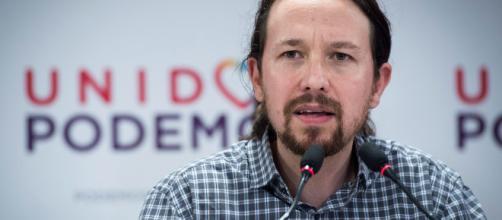 Utilizar la imagen de Aznar, la estrategia de Podemos para las primarias