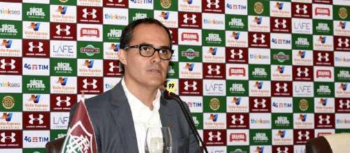 Pedro Abad corre o risco de sofrer impeachment no Fluminense (Foto: Lancepress)