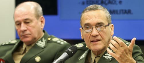 Generais relatam preocupação com possibilidade de contaminação política nas Forças Armadas