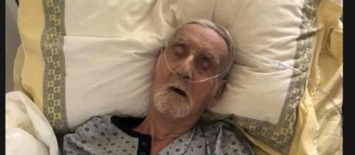 Nonno Mariano non ce l'ha fatta: dopo essere stato sfrattato di casa a settembre, si era aggravato. Il suo caso ha commosso e indignato l'Italia.