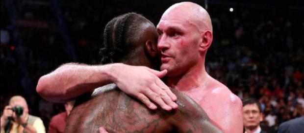 Deontay Wilder vs Tyson Fury: l'abraccio alla fine del combattimento