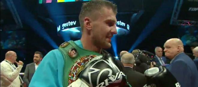 Oleksandr Gvozdyk demolisce Adonis Stevenson all'11° round: è il nuovo 'Superman'