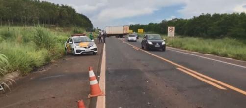 Advogado de Ipuã morre após bater de frente com caminhão em estrada de Franca, SP (Leandro Vaz/GCN)