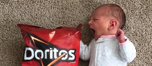 Alexandra era um pouco maior que um saco de Doritos quando nasceu (Reprodução: Instagram)