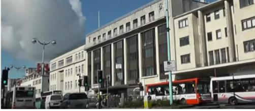 Driving on Kinterbury Street, St Andrew's Cross, Royal Parade & Derry's Cross, Plymouth, England. [Image source/Mike Fairman YouTube video]