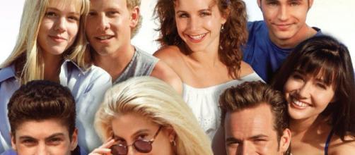 Il cast di Beverly Hills al completo