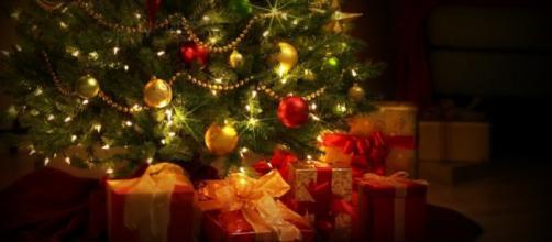 Sms Per Auguri Di Natale.Auguri Di Natale Dediche Divertenti Curiose E Stravaganti