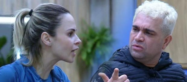 Evandro faz duras críticas contra Ana Paula Renault (Reprodução/R7)