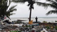 Tsunami na Indonésia: imagens mostram ondas invadindo praia onde turistas assistiam show
