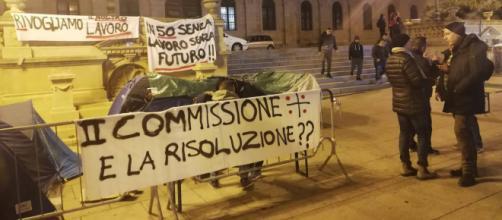 Sesta notte fuori casa per gli ex dipendenti Aou e Ats di Sassari - Fonte: Pietro Serra