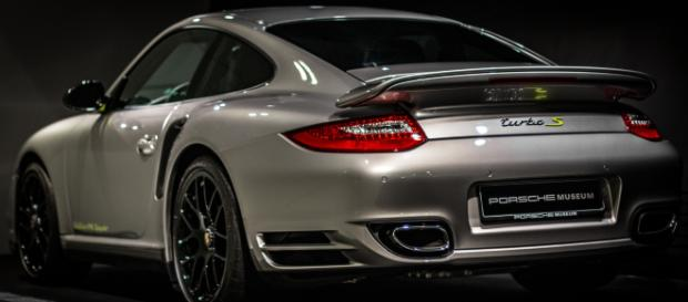 Porsche to address car theft tracking system and upgrades Porsche 911 Model - Image Credit: Toby_parsons/Pixabay.com