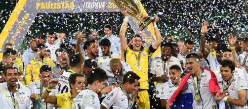 Corinthians comemorou um título Paulista na casa do rival Palmeiras em 2018 | Foto: Djalma Vassão/Gazeta Press)
