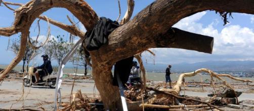 Indonesia, i danni ingenti provocati dallo tsunami