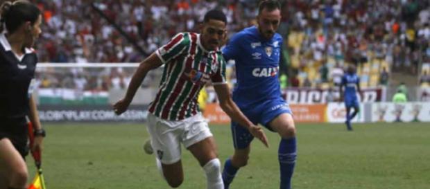 Flu quer permanência de Gilberto, mas Cruzeiro também tem interesse no lateral-direito. (Reprodução)