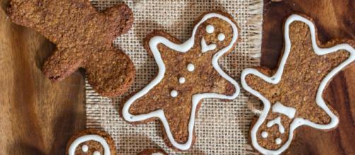 Biscotti di Natale: omini di pan di zenzero vegani, senza glutine e paleo