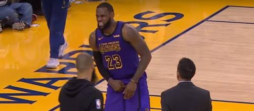 LeBron James injury [Image by NBA / YouTube screencap]