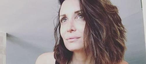 Alessandra Pierelli racconta la sua vita accanto al marito e ai figli.