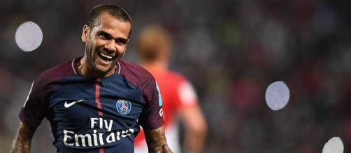 PSG : Dani Alves tenté par un départ en Premier League