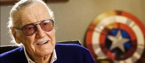 Stan Lee é o famoso escritor de histórias em quadrinhos por trás dos super-heróis da Marvel (Foto: Reprodução site khabar44.co)