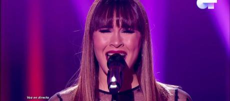 Aitana canta 'Vas a quedarte' en el especial navideño de 'OT'. / RTVE.es
