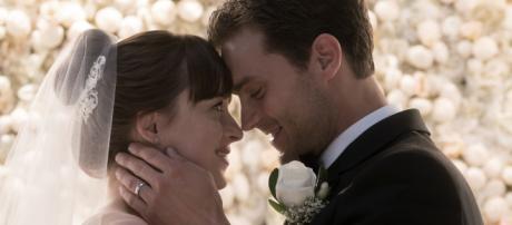 Christian Grey e Anastasia Steele em 'Cinquenta Tons de Liberdade' (Foto: Universal Pictures/Divulgação)