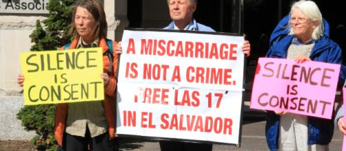 A US Human Rights Delegation to El Salvador, protesting the treatment of Ms. Cortez and others. Image via Flickr, Creative Commons license 2.0