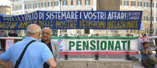 Aumenti assegno pensione minima, sociale e di invalidità a gennaio 2019, poi arrivano i conguagli.
