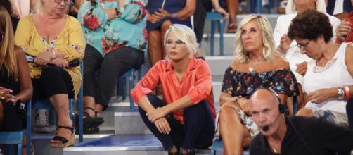 Spoiler Uomini e Donne: Lorenzo litiga con Claudia, Andrea ritorna in trasmissione