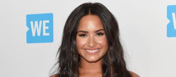 Demi Lovato envía mensaje a la prensa sobre su recuperación a través de Twitter