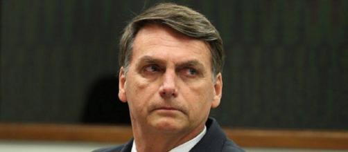 Bolsonaro reafirma em reunião com futuros ministros facilitar o posse de armas (Imagem: Reprodução/Diário Online)