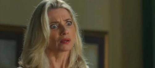 Marilda fica furiosa ao saber da irmandade secreta (Reprodução/Globo)