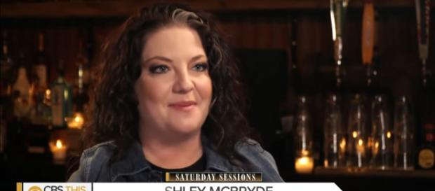 Ashley McBryde is living her country music dream, without compromise, on Girl Going Nowhere. [Image source: CBSThisMorning-YouTube]
