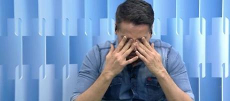 Leo Dias revela que enfrenta dificuldade para ficar longe da droga