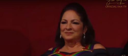 Gloria Estefan had warm words for President George HW Bush to begin the 2018 Kennedy Center Honors, [Image source-GloriaEstefanFanTV-YouTube]