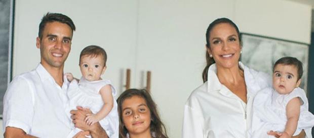 Daniel Cady e Ivete Sangalo com os filhos, Marcelo, Helena e Marina