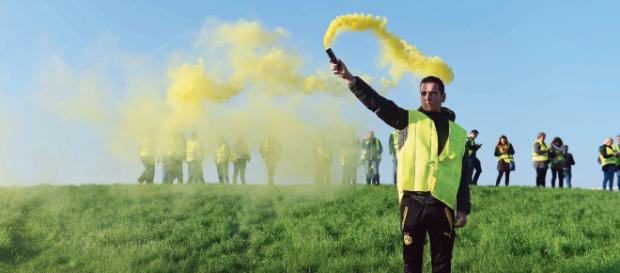 Gilets jaunes : l'exécutif cherche une réponse