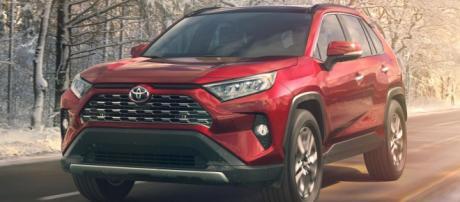 Toyota Rav4 ibrida 2019: dimensioni, scheda tecnica, prezzo, video ... - motorbox.com