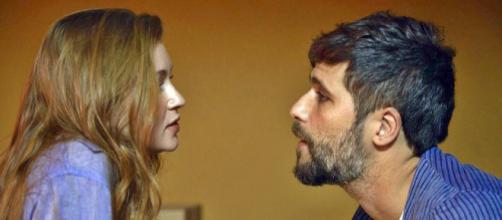 Gabriel (Bruno Gagliasso) descobre o que é amor de verdade quando conhece Luz (Maria Ruy Barbosa). (Reprodução/TV Globo)