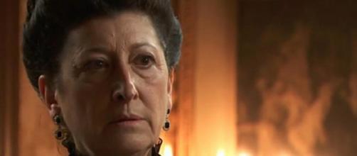 Una Vita, anticipazioni: Ursula uccide sua figlia (VIDEO)