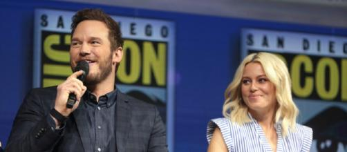 """Chris Pratt & Elizabeth Banks talk about """"How to Train Your Dragon"""" at San Diego Comic Con 2018. Image source: Google Images/Gage Skidmore."""