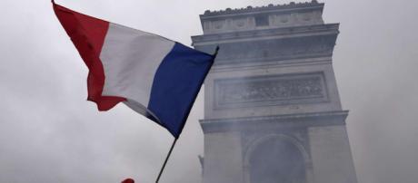 Gillet gialli, un morto al blocco ad Arles. Vertice d'emergenza ... - mondonewsblog.com