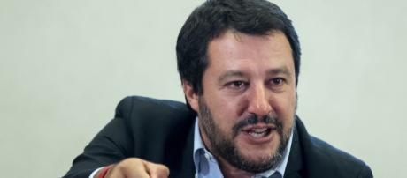 Matteo Salvini a spada tratta contro Confindustria: 'Ha taciuto per anni mentre gli italiani erano massacrati, ora ci lasci lavorare'.
