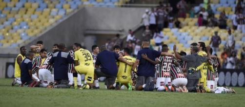 Vitória contra o América livrou o Fluminense da queda.