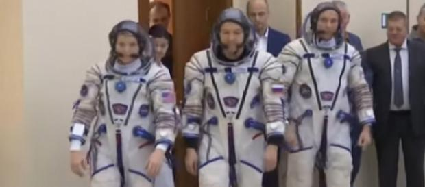 ISS crew ready for planned launch on December 3. [Image source/AP Archive YouTube video]