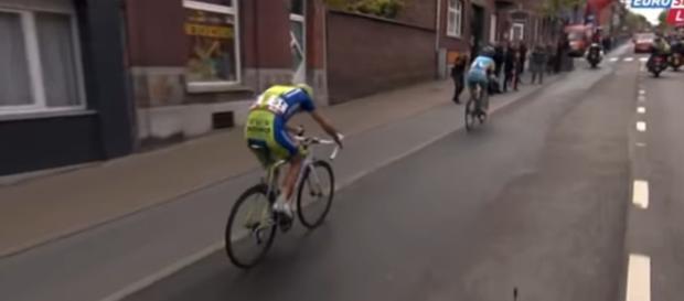 Vincenzo Nibali superato da Iglinskiy all'ultimo chilometro della Liegi 2012